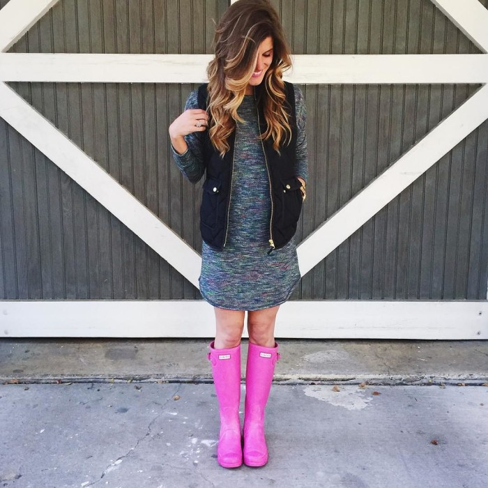 comfy tee dress puffer vest and hunter boots