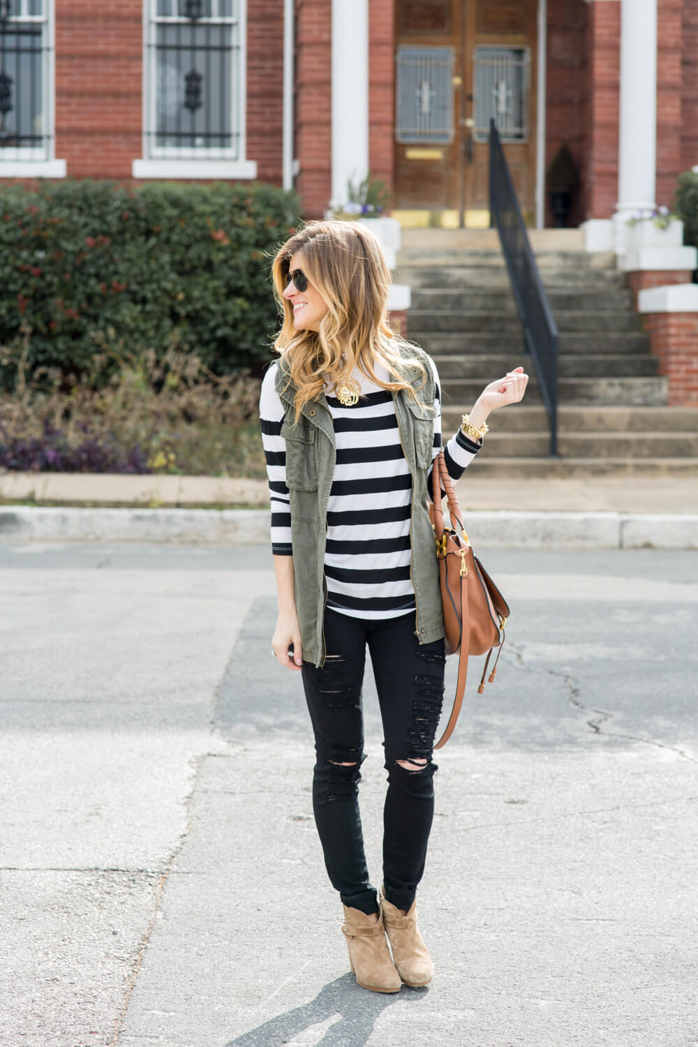 5c72a8ede65 What to wear with black jeans - 30+ Black Jeans Outfit Ideas