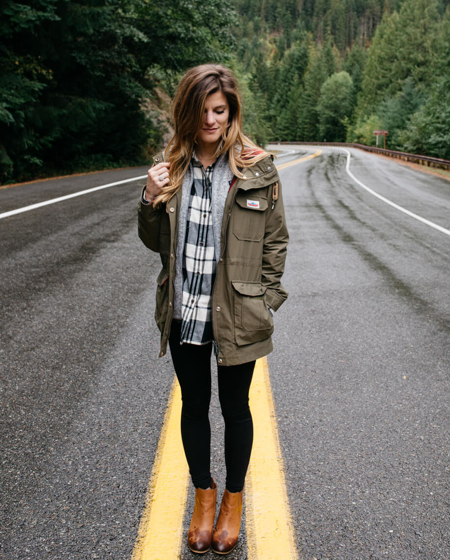 how to wear leggings - casual outdoors outfit, hiking outfit with leggings, plaid, utility jacket, ankle booties