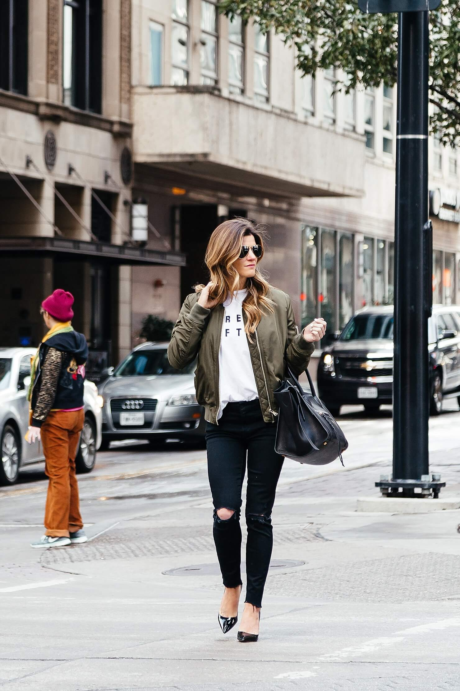 how to wear a bomber jacket, topshop olive green bomber jacket, sincerely jules dream often white tee, mother slit knee denim, patent leather pumps, dressing up a tee shirt, bomber jacket outfit