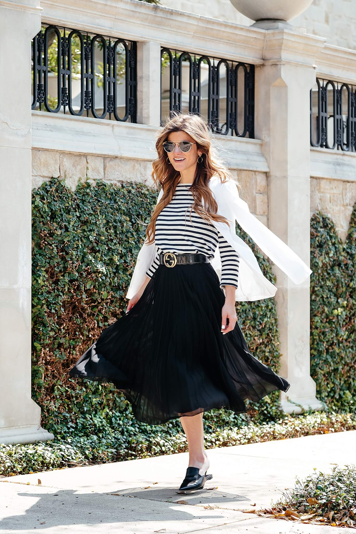 black pleated midi skirt, striped tee, gucci belt, pointed toe flats 4