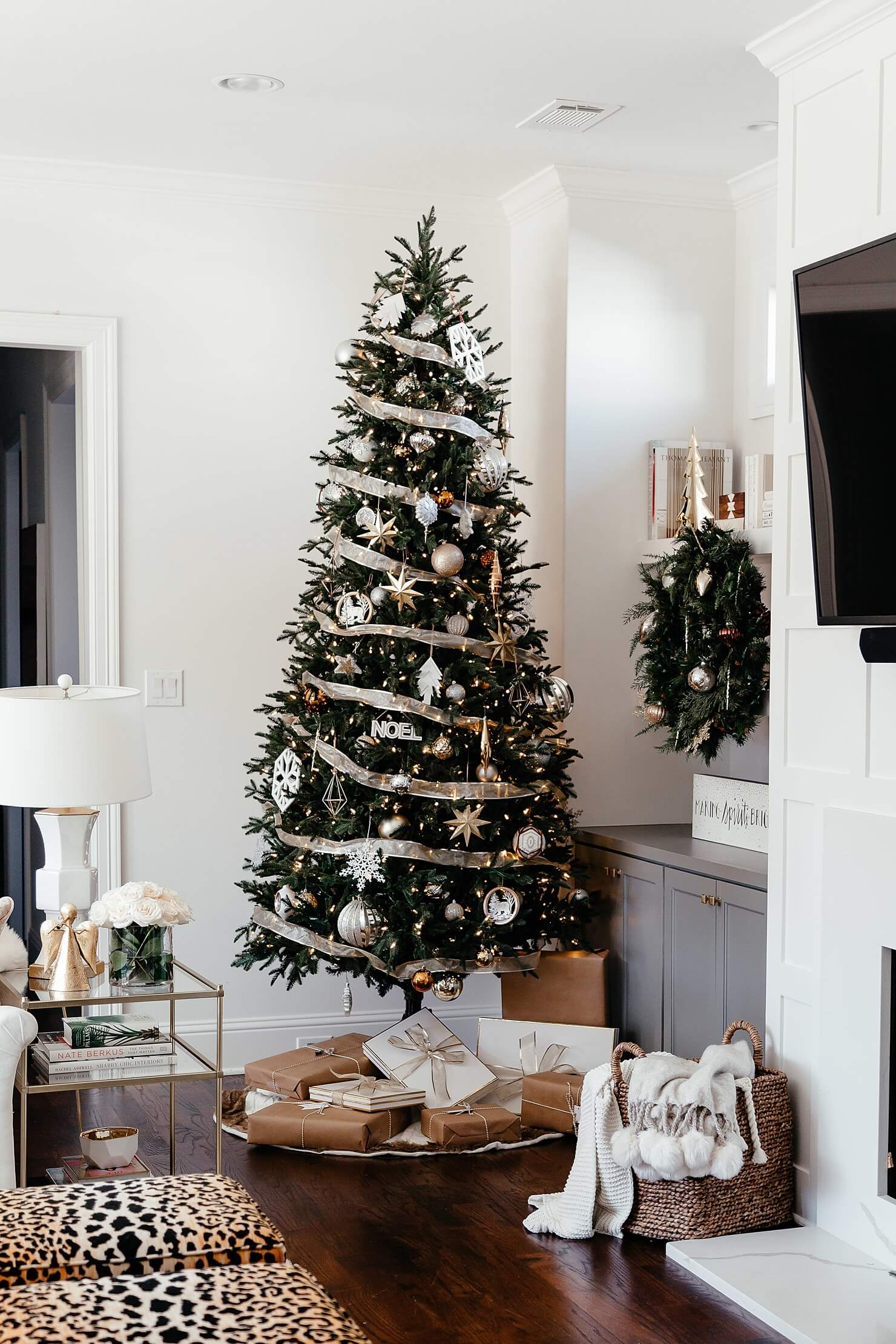 how to organize your christmas decorations christmas decor reveal 2017