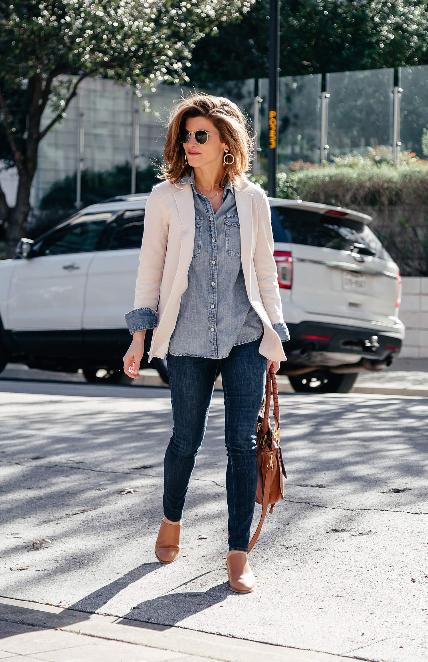 ab524de364 How To Wear a Denim Shirt    13+ Ways to Style Chambray