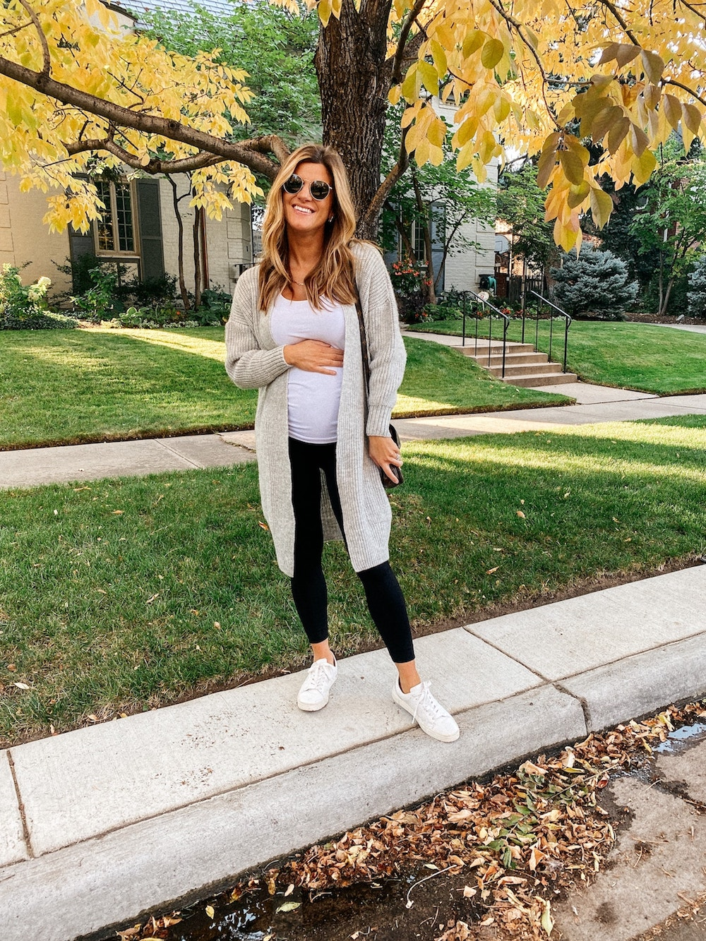 Brighton Butler Fall Outfit Idea, 18 weeks pregnant, maternity leggings grey cardigan white sneakers