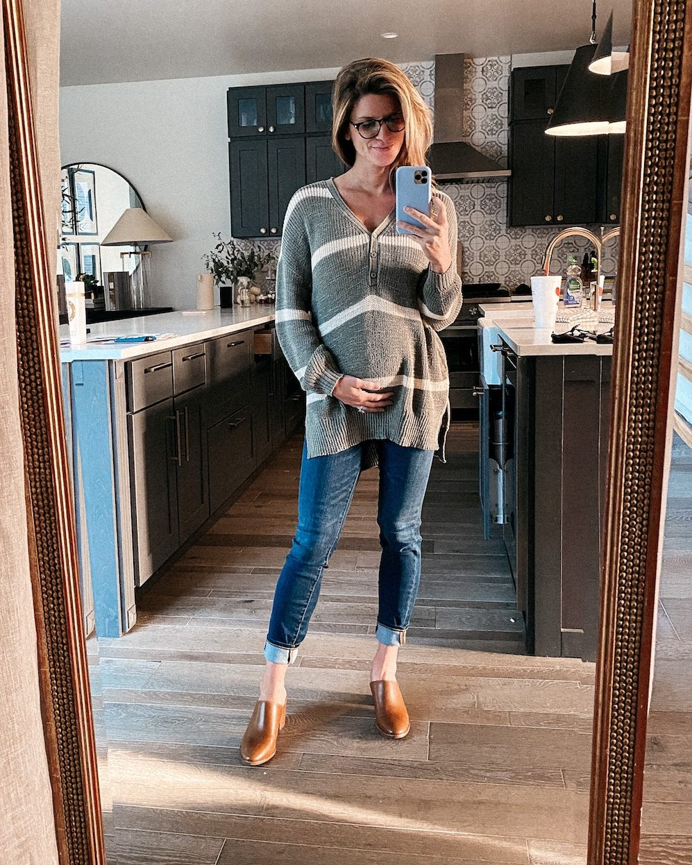 madewell maternity jeans with oversized henley sweeater