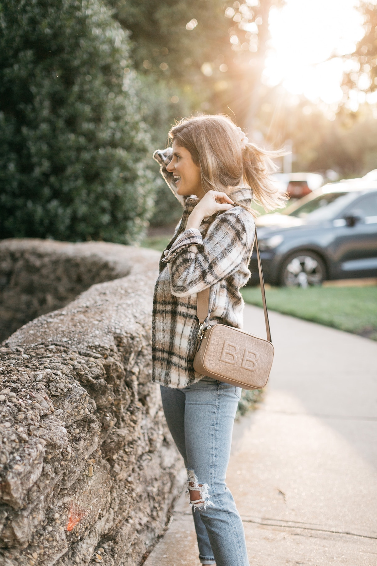 brighton butler transitional fall look agolde jeans plaid shacket leatherology bag